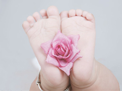 """【每周一课】语根知义——""""行走""""家庭<foot、fut>,小朋友,你为自己父母"""