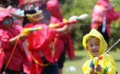 """【媒体报道】日媒称中国幼儿园数量不足:入园难冲击""""二孩""""梦"""